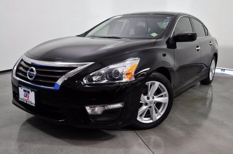 Pre-Owned 2014 Nissan Altima 2.5 SL FWD 4dr Car