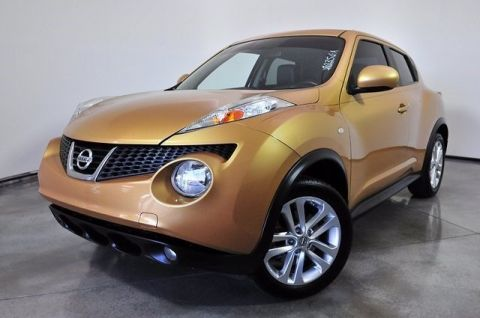 Pre-Owned 2013 Nissan JUKE SL With Navigation & AWD